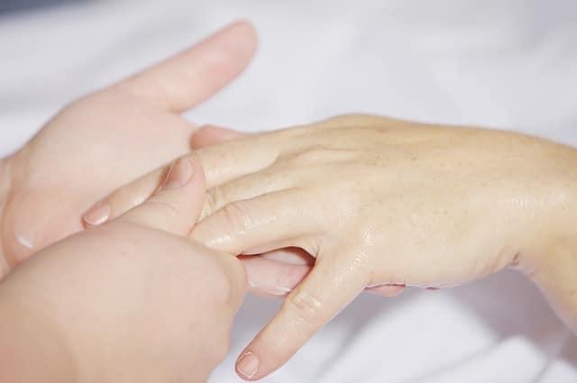 protocole modelage des mains